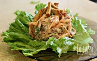 Салат из копченой колбасы и корейской моркови: 9 лучших рецептов