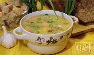 Гороховый суп со свининой и копчеными ребрышками