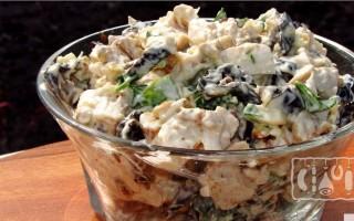 Салаты с копченой курицей и грибами: 17 лучших рецептов