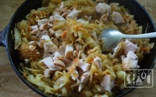 Тушеная капуста с копченой курицей: пошаговый рецепт