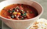 Фасолевый суп с копченой колбасой
