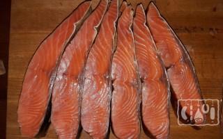 Чавыча холодного копчения: рецепт, польза и вред рыбы