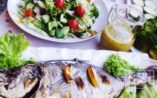 Салаты из копченого окуня: 10 лучших рецептов