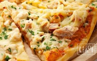 Пицца из копченой куриной грудки: пошаговый рецепт