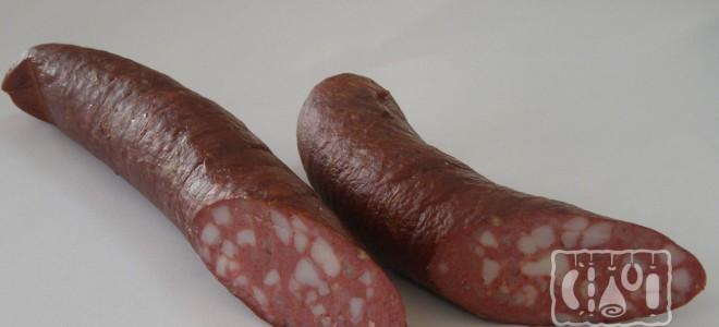 Полукопчёная колбаса: 4 лучших рецепта и советы по хранению