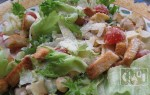 Цезарь с копченой курицей: 6 лучших рецептов