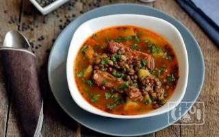 Чечевичный суп с копченостями в мультиварке