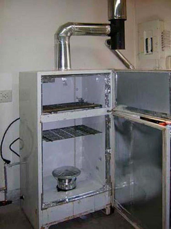 Коптильня из холодильника дома
