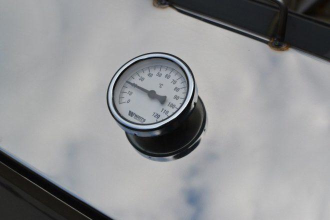 Встроенный термометр