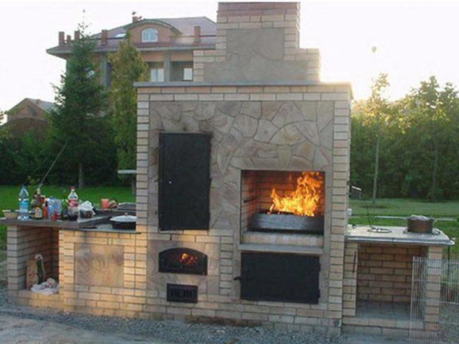уличная печь с коптильней