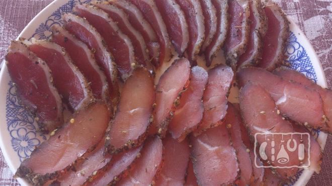 Карпаччо из сырокопченой куриной грудки