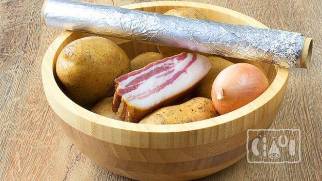 Картошка с копченым салом