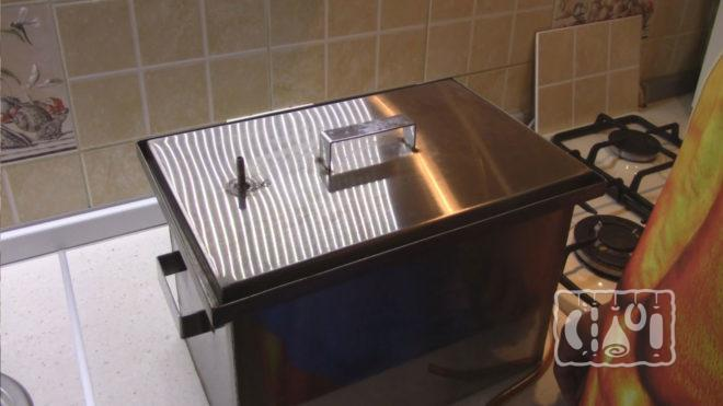 Коптильня для газовой плиты