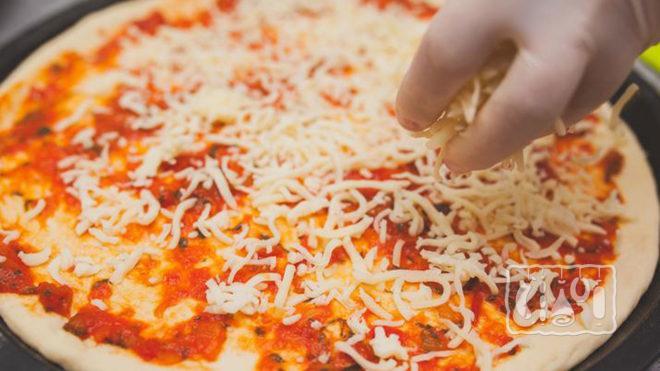 Наполнение пиццы