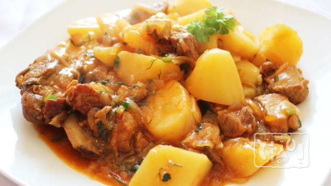 Жаркое с ребрышками и картофелем