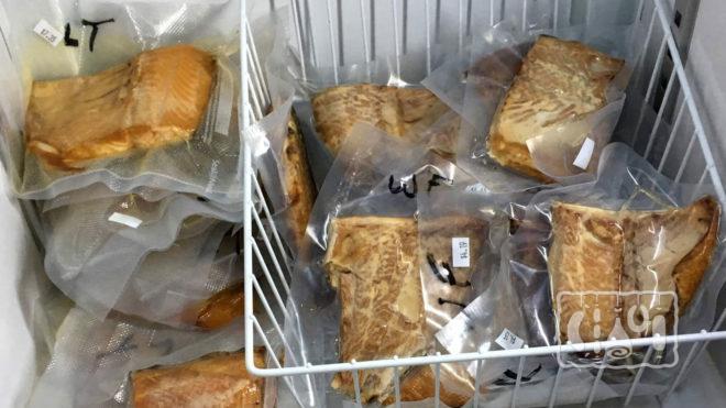 Хранение копченой рыбы в холодильнике
