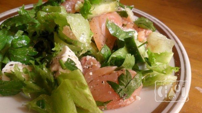 Рецепт салата с адыгейским сыром