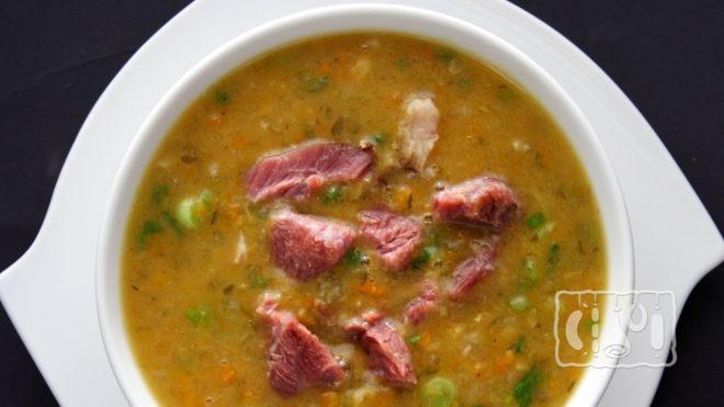 Как сделать гороховый суп с копченым беконом