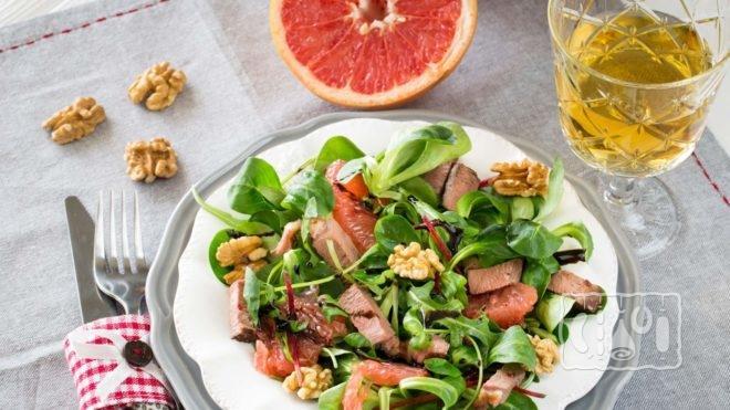 Рецепт салата с авокадо и копченым лососем