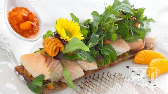 Рецепт приготовления салата из копченой щуки