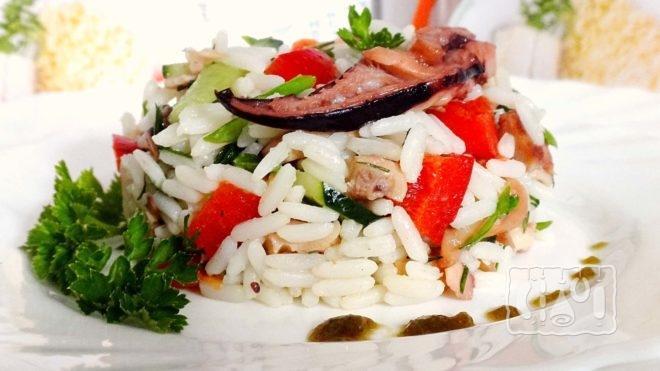 Как приготовить салат с копчёной рыбой