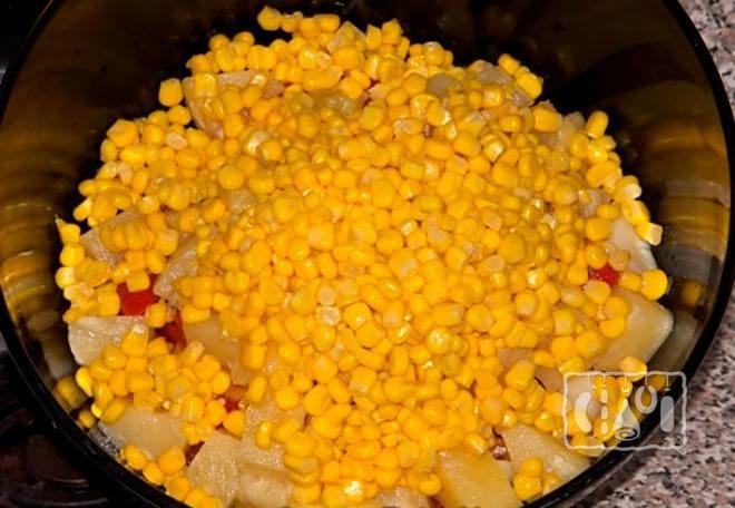 кукурузу-в-дуршлаг