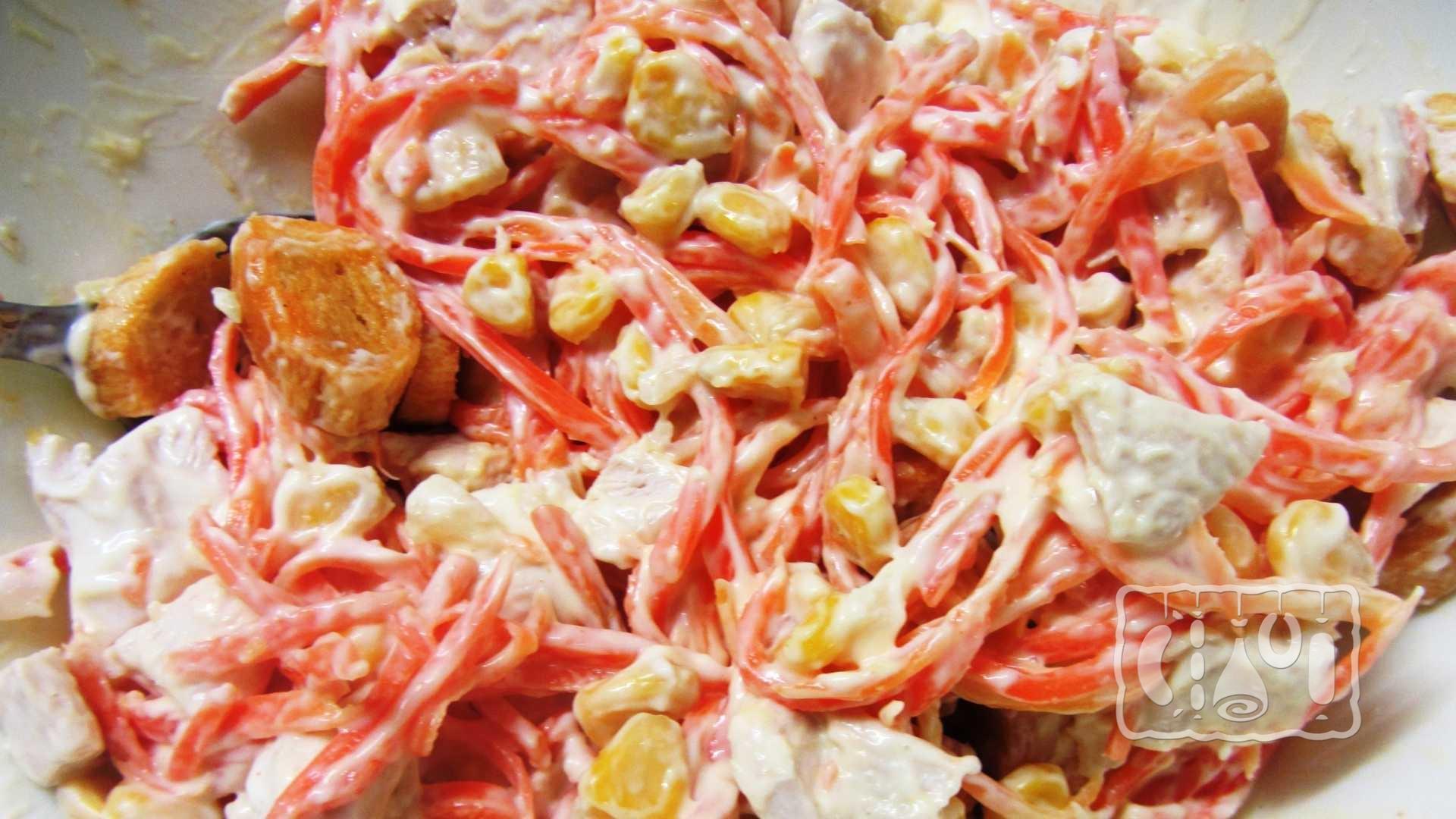 салат с корейской морковью грибами и курицей