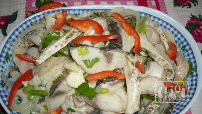 Рецепт салата из копченого леща