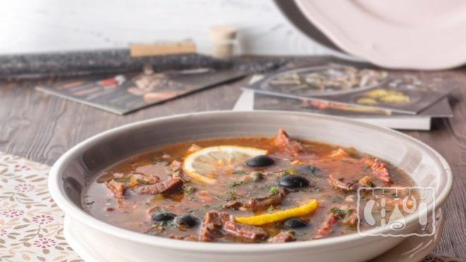 Рецепт солянки с копченой колбасой