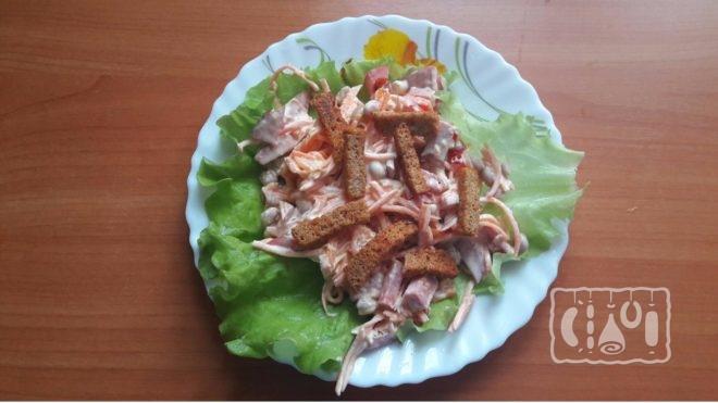 Как сделать салат обжорка с копченой колбасой