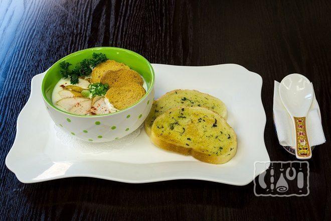 Сырный суп с копченой курицей