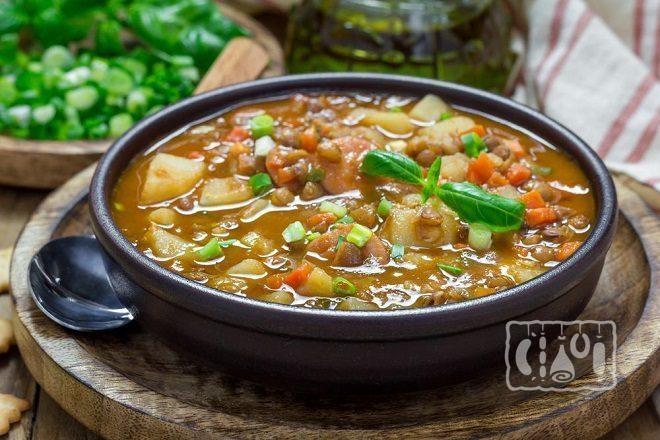 Суп с бобами и копченым мясом