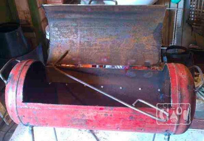 Металлическая печь-коптильня