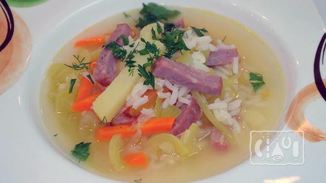 Рисовый суп с копченостями