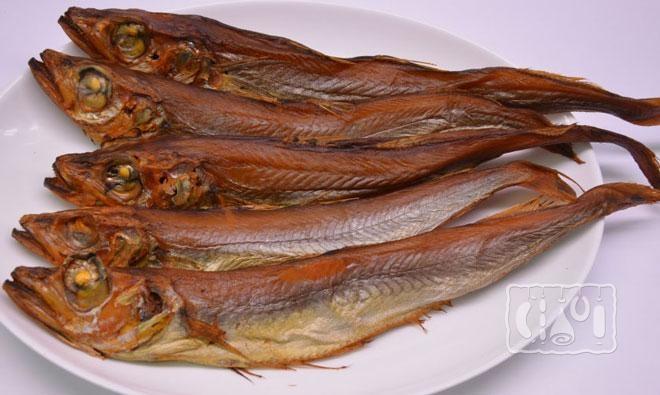 Фото копченой рыбы путассу